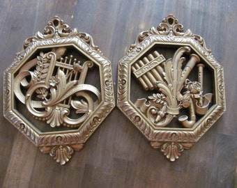 Vintage HOLLYWOOD REGENCY Gold Gilt Wall Hanging Plaques Floral pair