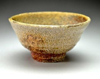 Shigaraki, anagama, ten-day anagama wood firing, with natural ash deposits sake cup. gui-09
