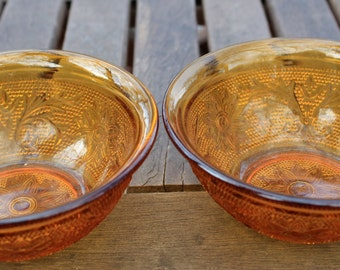 Two Anchor Hocking bowls