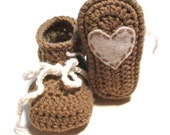 Brown and white crochet baby valentines day baby booties.  Ready to ship.  3-6 months.  Baby shower gift, photography prop.  Heart booties.