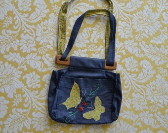 1970s handmade BUTTERFLIES cloth purse with wooden closure