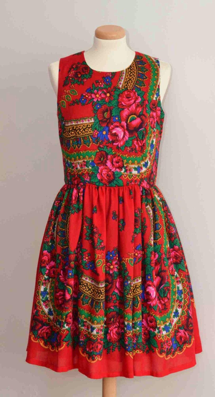 fleur rouge fleur robe rouge folk robe rouge ethnique russe