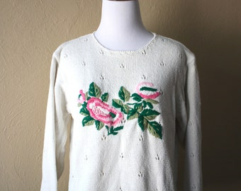 Vintage Cream Colored Knit Sweater With Floral Embroidery