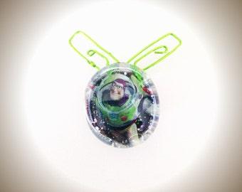 Wire Work Buzz Glass Magnet