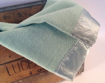 Wool Blanket Faribo, Twin Size, 1 Available Mint and , twin bed, Guest room, kids room,  100 percent wool, vintage wool