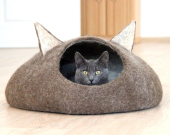 Pets bed / Cat bed - cat cave - cat house - eco-friendly handmade felted wool cat bed - natural brown and natural white