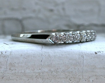 Classic Vintage 18K White Gold Diamond Wedding Band - 0.21ct.