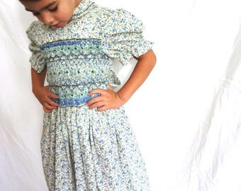 Peter Pan Collar - Vintage Dress Girls Size 5 Blue Floral Hand Smocked Prairie dress