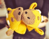Giraffe Gloves, Gift Wool Crochet Autumn Fall Winter Cold Days Woman Girl Teens Cozy fun zoo animals yellow brown