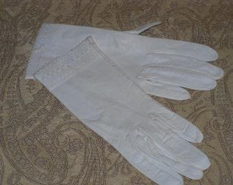 Kidskin Leather Gloves Off White Wrist Length Never Worn Vintage
