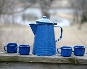Vintage Blue Specled Enamalware Pitcher and Cups, Set of 5.