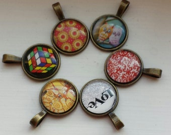 Assorted colors - 8pcs - Antique Bronze - 18 mm Round tray with photo Glass cabachon - Pendant Blank, Pendant tray for photo charm pendants.