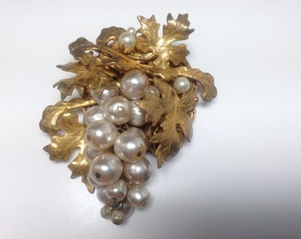 Miriam Haskell Pearl Cluster Textured Gold Tone Leaves  Large  Item:17091