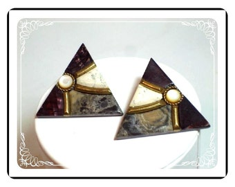Chic Black & White Earrings - Vintage Pierced Plastic  E396a-040812000