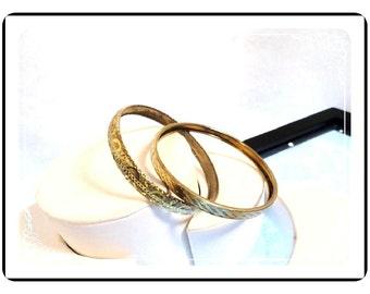 Metal Bangle Bracelets  - Vintage Gold Tone Textured   Brac-1066a-082012000