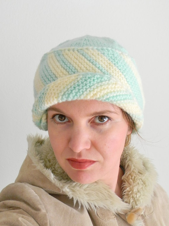 Cloche Hat Pattern Knitting : Knitting pattern Melanie Cloche Knit Hat Pattern Knit