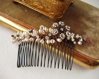 Wide Bridal Hair Comb. Pearl Hair Accessories with Crystals. Crystal Hair Comb. Vintage Style Wedding Hairpiece. Bridal Accessories