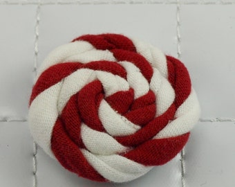 Red and White Rosette Clip