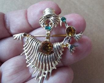 Retro Scarecrow pin with bird