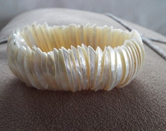 natural white shell mother of pearl  bracelet stretch cuff beach ware