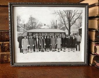 1940s Black and White Photo, Student Class Group Photo, Bus Caravan Field Trip, Vintage Frame