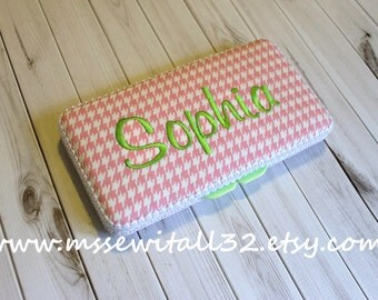 Custom Pink Houndstooth Diaper Wipes Case