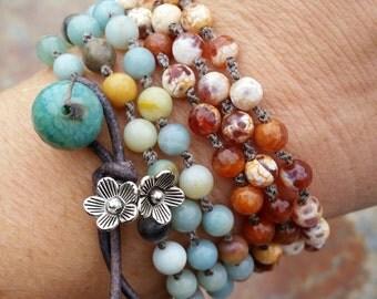 Beachy Chic Agate Beaded Bracelet, Beach Jewels,Handknotted bracelet, jewelry, yoga jewelry, summer jewelry