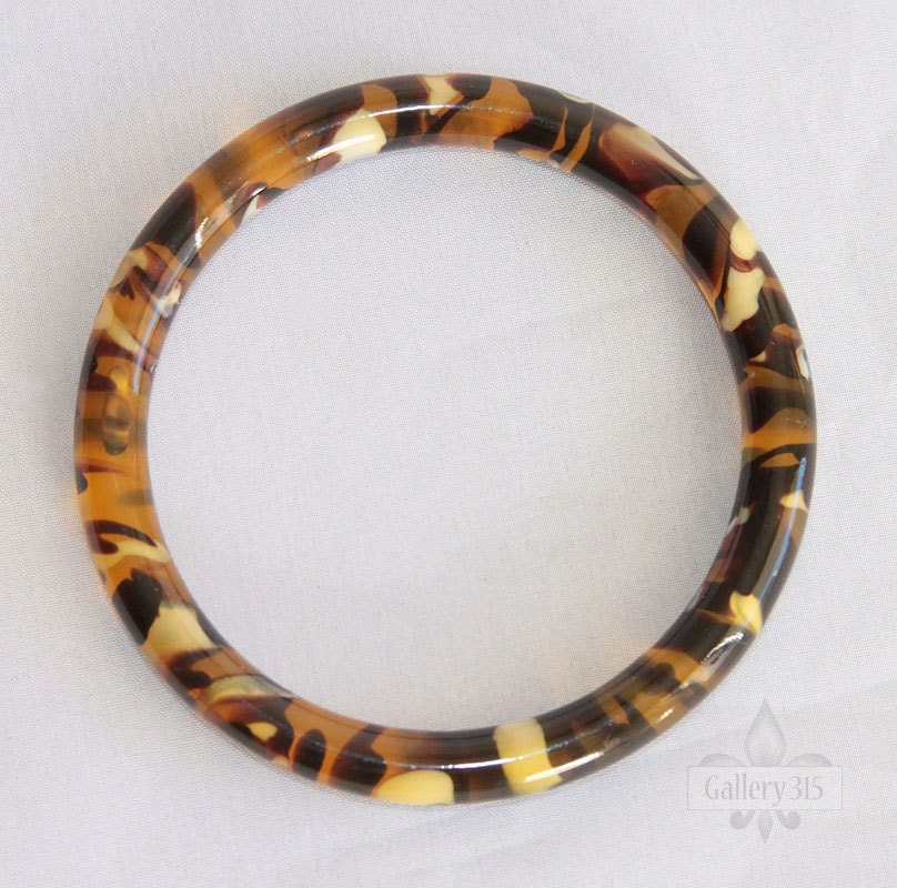Vintage Faux Tortoise Shell Bangle Bracelet. Daughter Pendant. Julia Engagement Rings. Link Bracelet. Enhancer Rings. Strawberry Stud Earrings. Initial Chains. Pink Gemstone Engagement Rings. Basic Beads