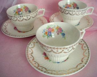 Vintage Teacups and Saucers Royal China Rosaleen Set of 3 Cottage Chic Replacement China Vintage Wedding Vintage Bridal