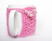 Cozy Mug Coffee, Mug Warmer, Pink color, Pig Artisanal Ceramic button, sweater Tea Sleeve Cover Crochet Wool Ooak