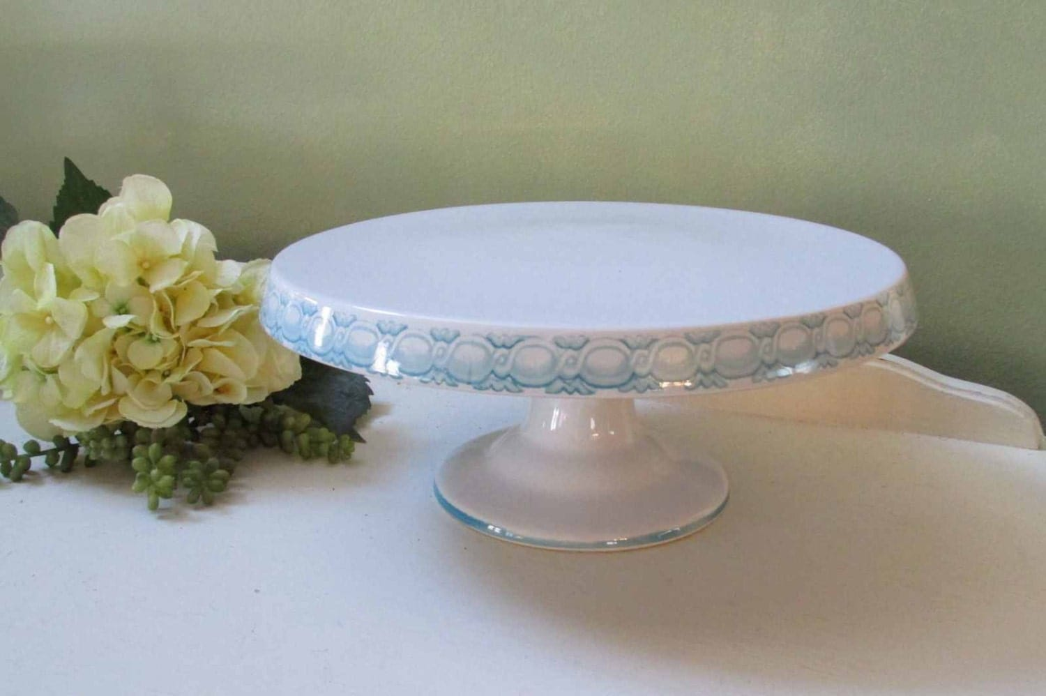 White Cake Plate Stand 3 Tier Rectangular Serving Platter & White Pedestal Cake Plate - Castrophotos