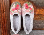 Felted slippers, woman house shoes, ROSE GARDEN, gray/beige natural wool