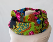 floral wool scarf, circle scarf, Russian shawl, Russian scarf, deco scarf, chartreuse green, apple green, pink and black, 125
