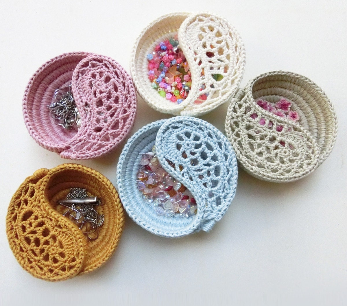 Bridesmaids Gifts Crochet Jewelry Dish. 4 Paisley by goolgool
