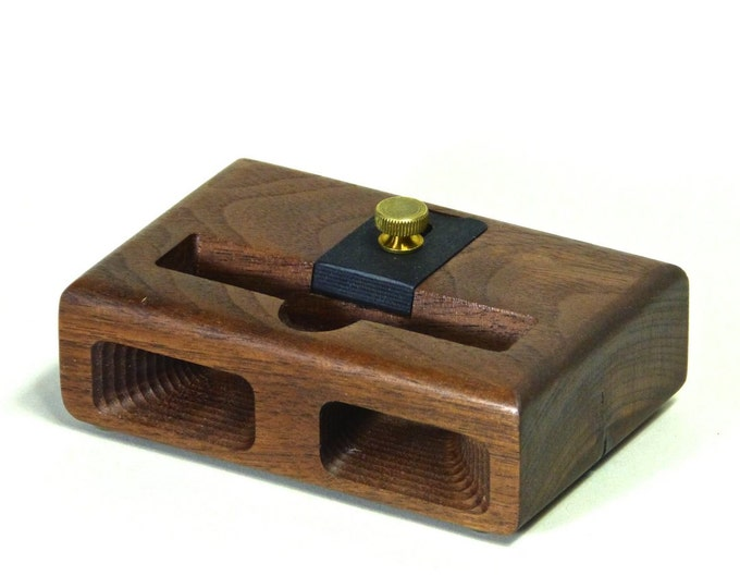 Docking Station for iPhone 6 & 7 - RETRO model in WALNUT – Use With or Without a Cover - Boosts the Sound