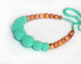 Summer Bright Mint Green Breastfeeding Necklace- Crochet Nursing Necklace- Teething Necklace- Eco-Friendly Necklace for New Mom and Baby