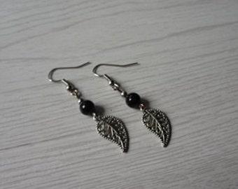 lovely handmade mini  black  The maple leaf Turquoise earrings