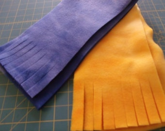 blue or gold scarf