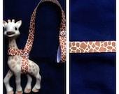 Sophie Giraffe Leash Harness Brown Print