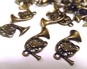 10 Antique Bronze French Horn Charms Pendants 23x14mm     -S4CB1-1