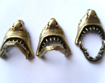 Antique Bronze Shark Mouth Charm Pendant with Movable Jaw!! 22x18mm (1)