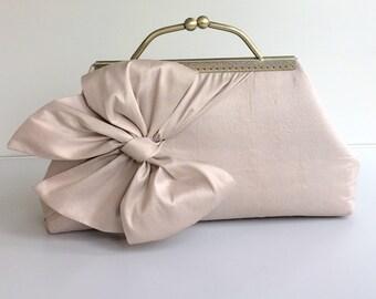 Blush Bride Clutch, BOW Clutch, Bridesmaid Clutch, Chain Strap Bag, Vintage BOW Purse, Silk Dupioini Clutch, Blush Wedding, Style C001