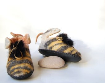 Bee slippers for kids Felted wool slippers Handmade wool booties for kids Funny gift eco living 9US