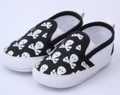 Baby pre walking skull and crossbones shoes