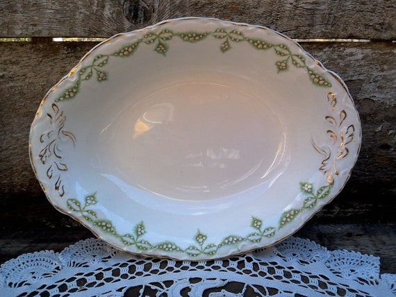 """GREEN AND WHITE, Bowl, Transferware, J G Meakin Hanley, Vegetable Bowl 9 7/8"""", Floral, Gold, Deep Dish, Serving Bowl, Oval"""