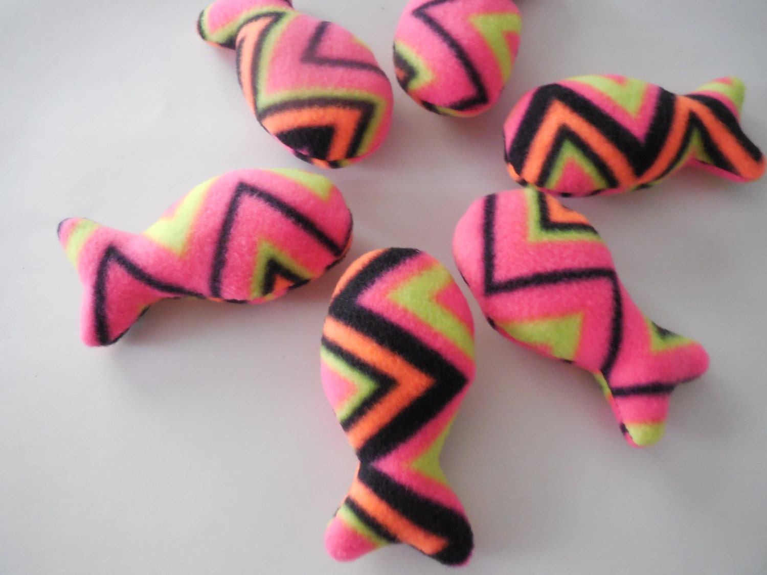 pin pink zig zag - photo #36