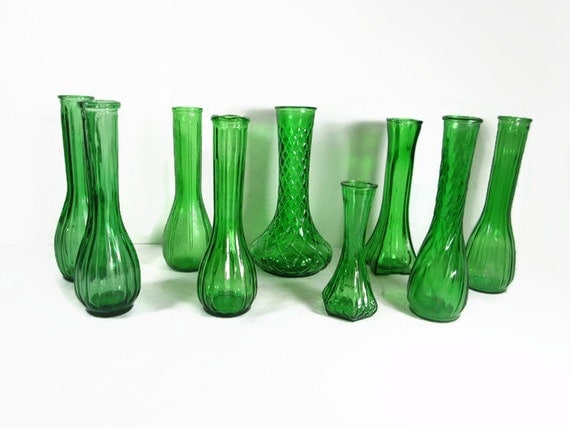 Green glass vase wedding and shower decor for Green glass bath accessories