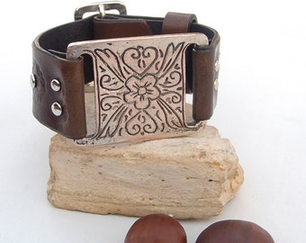 Leather bracelet with antique silver ehtnic bar component, Women leather cuff bracelet, Adjustable leather cuff bracelet