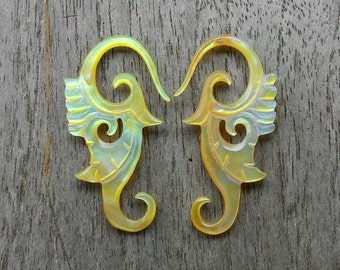 12 gauge - 2 mm Yellow Mother of Pearl Shell Tribal Leaves Earring