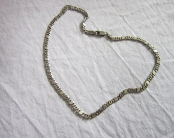 Vintage Interesting Figaro Design Sterling Silver Necklace Pretty